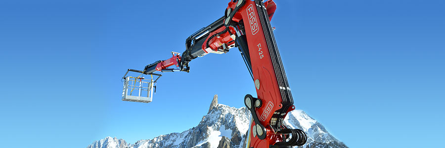01 Fassi loader crane mont blanc