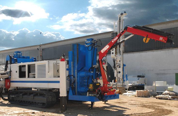 Fassi hydraulic crane F70A e-active 01