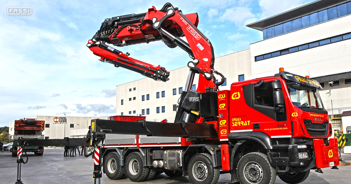 Fassi F1650RAL.2.28 crane for rental service