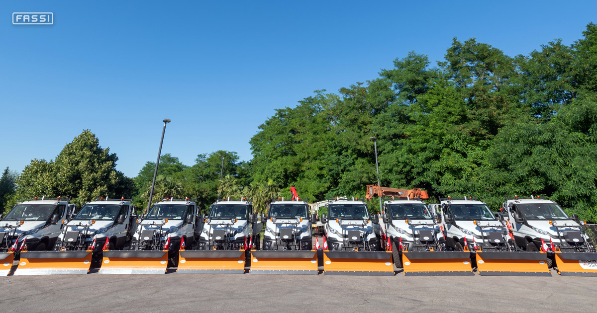 14 IVECO Daily 55S8H 4x4s have been equipped with Fassi F32A