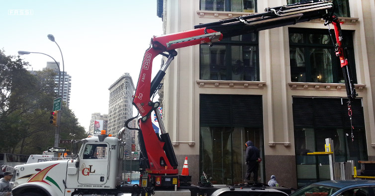 Fassi F800RA - 5th avenue New York