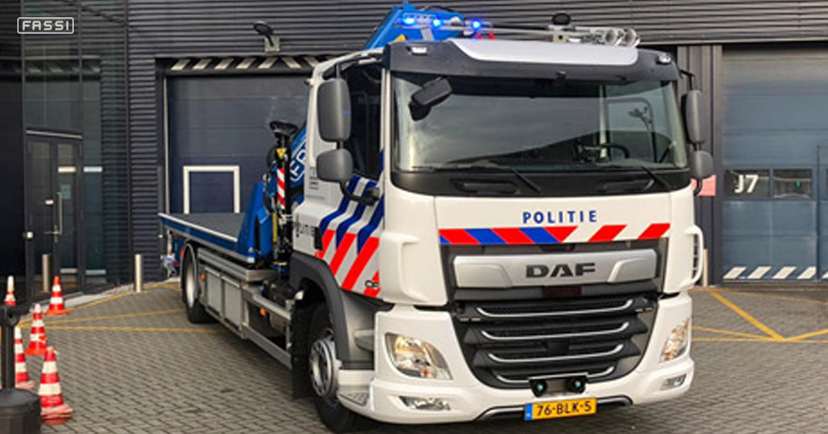 Four Fassi truck cranes for the Dutch Police 4