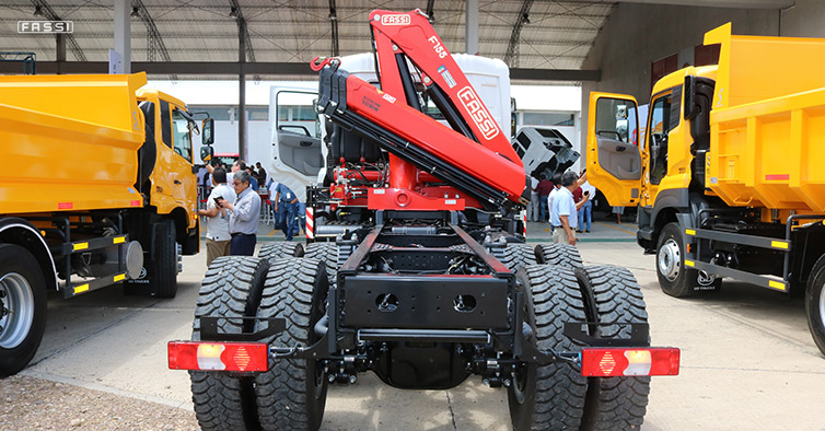 Fassi represented at Bolivian UD truck launch 01