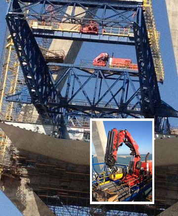 Four Fassi hydraulic crane  F1100RA.2.28 he-dynamic on the new bridge at Cadiz