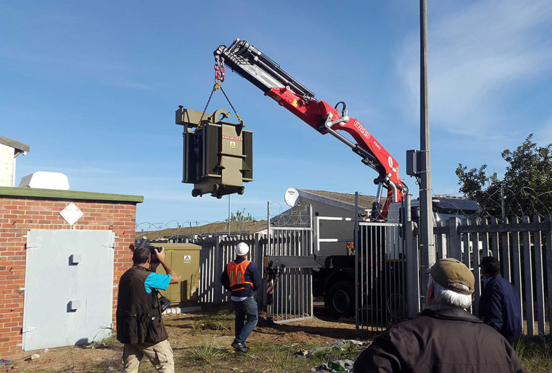 Difficult Situation Becomes Easy For A Fassi Crane Fassi