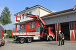 Vehicle of the fire brigade with Fassi crane